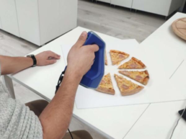 , Przygotowanie realistycznego modelu 3D pizzy w celach marketingowych z wykorzystaniem skanera 3D